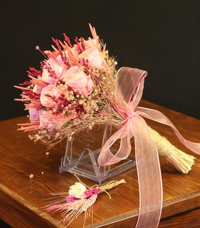 Pembe Gül Gelin Çiçeği
