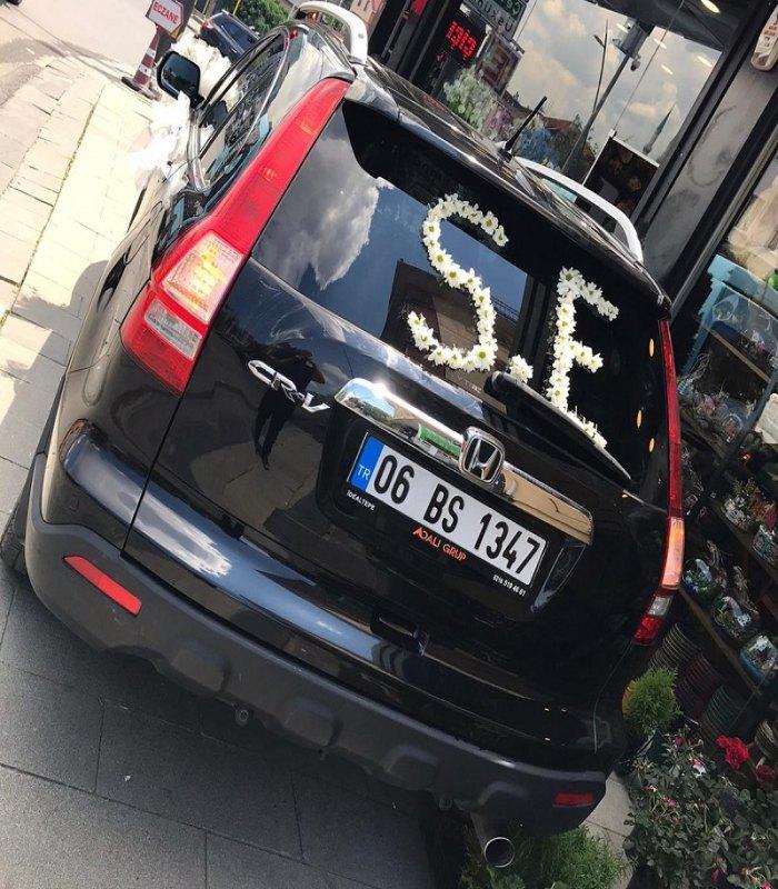 Siyah Araç Gelin Arabası Süslemesi