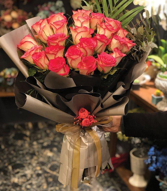 Sevgiyi Fısıldayan Güller