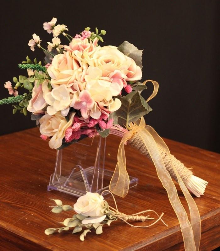 Soft Renk Gelin Çiçeği